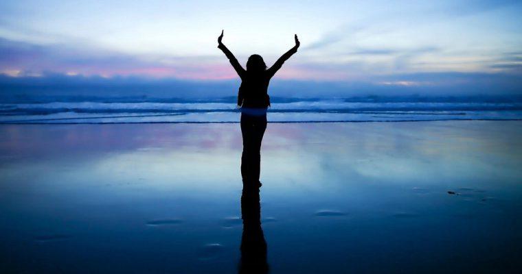 心がのびやかに自由になり、深呼吸している